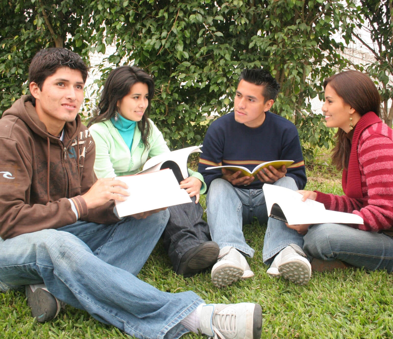 Estudiantes de inglés universitario